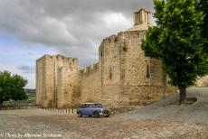 Portugal - Classic Car Road Trip Portugal: During our visit to Elvas, we parked the Mini Authi in front of Elvas Castle. The town of Elvas...