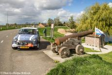 Stuyvesant Tour - Stuyvesant Mini Tour 2017: Our own Mini Authi on the dyke road at the village of Blankenham in Overijssel, a...