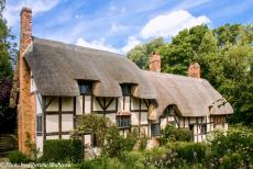 Longbridge IMM - Classic Car Road Trip: The Anne Hathaway's Cottage in the village of Shottery, about 1.6 km west of Stratford-upon-Avon. The 15th century...